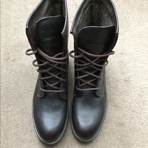 """Wolverine 6"""" leather lace up boot. Size 8."""